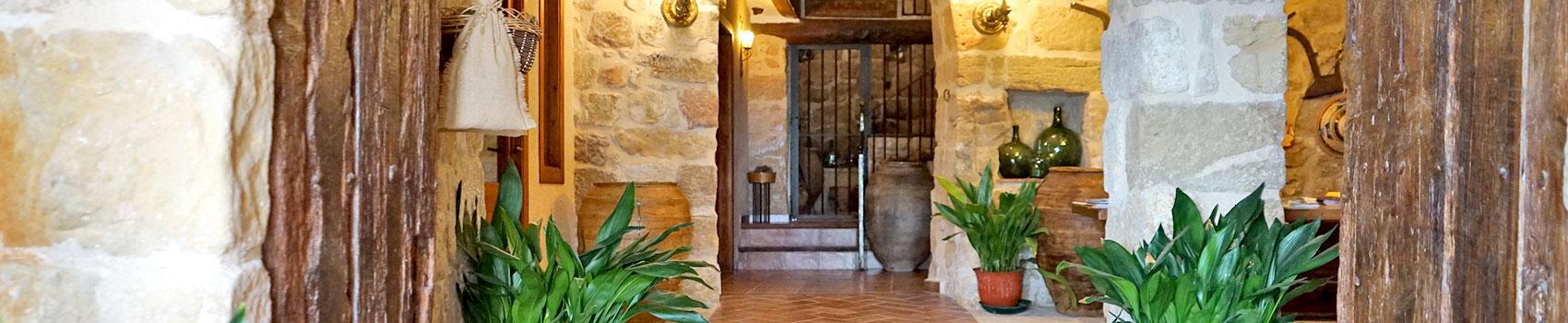 hall-lo-portalet-apartaments-i-cases-rurals-a-horta-de-sant-joan