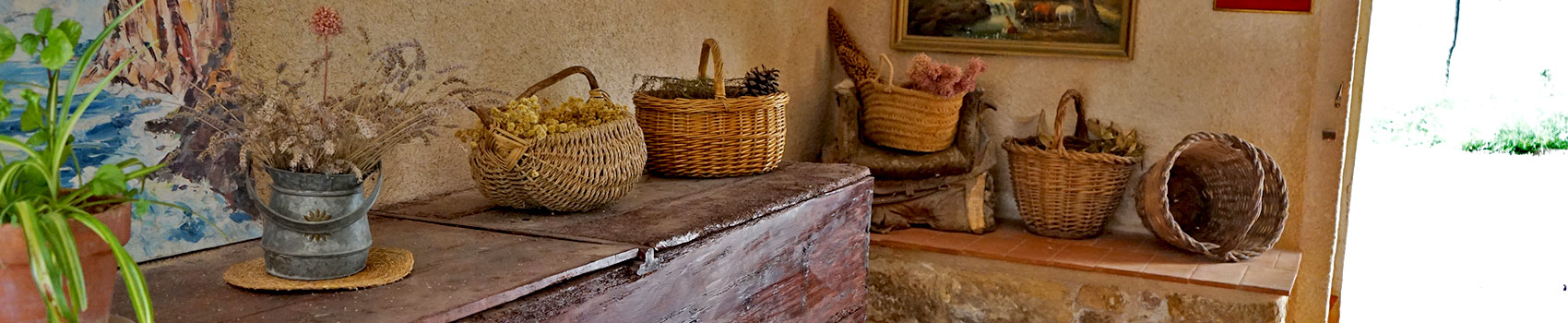 rebost-lo-portalet-apartaments-i-cases-rurals-a-horta-de-sant-joan
